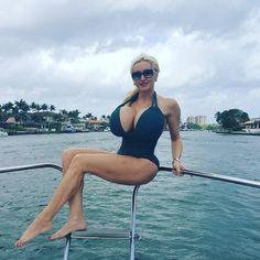 Tammy hernande blonde tits