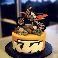 21 Ideas ktm dirt bike 2018 – Online Pin Page Dirt Bike Cakes, Dirt Bike Helmets, Motorbike Cake, Motocross Cake, Motor Cake, Dirt Bike Tattoo, Racing Cake, New Dirt Bikes, Duke Bike
