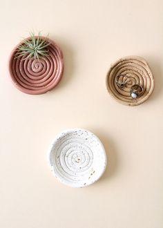 DIY Clay Ring Dish | BlissMakes - #blissmakes #Clay #Dish #DIY #ring
