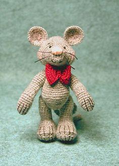 Monique and Mordecai Mouse pattern by Sue Pendleton Crochet Monkey, Love Crochet, Crochet Flowers, Crochet Amigurumi Free Patterns, Crochet Toys, Knit Crochet, Crocheted Animals, Tiny Dolls, Knitted Dolls