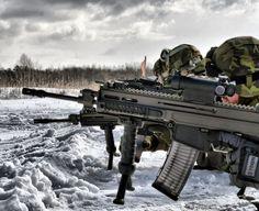 Česká Zbrojovka (CZ) hatnach einjähriger Wartezeitdas neue halbautomatische Gewehr CZ-805 BREN S1im Kaliber .223 Remington auf die europäischenMärkte gebracht. Es handelt sich dabei um die zivile Version der militärischen Ausführung BREN A1/A2.