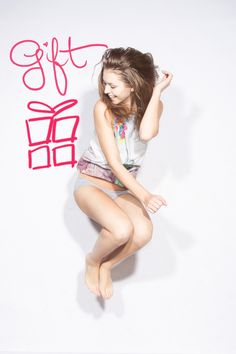 We love to make you happy :)   #gift #NY #top #jump #smile #fun