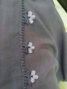 It For You Shawl Tesettür Kombinleri # Filet Crochet, Crochet Borders, Crochet Flower Patterns, Crochet Trim, Crochet Motif, Crochet Flowers, Crochet Lace, Knitting Patterns, Crochet Shawl