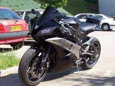 Yamaha R6.