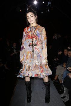 Moschino Fall 2017 Ready-to-Wear Front Row Celebrity Photos - Charli XCX
