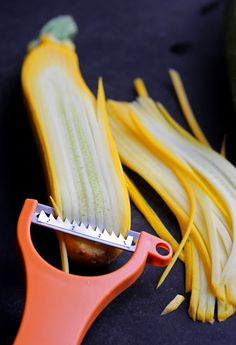 "Julienne Peeler To make zucchini ""pasta""! This would be a great gadget to have! Cool Kitchen Gadgets, Kitchen Hacks, Kitchen Tools, Cool Kitchens, Top Gadgets, Kitchen Utensils, Amazon Gadgets, Kitchen Supplies, Wine Gadgets"