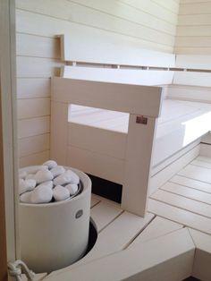 Yksi messujen kuvatuimmista saunoista, näytteillä Tulikiven Kuura 1 -kiuas. #lomaasuntomessut #kalajoki