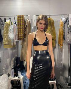 "@kaiagerbertoday on Instagram: ""Kaia backstage at Saint Laurent FW20. #kaiagerber"" Runway Fashion, Fashion Models, High Fashion, Fashion Show, Fashion Outfits, Fashion Design, Kendall, Kylie, Student Fashion"