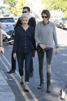 c15fc4d5c861 Alexa Chung and TopshopcMOTO Grey Leigh Supersoft Skinny Jeans Photograph  Pixie Geldof
