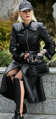 Long Leather Coat, Leather Skirt, Mistress, Leather Fashion, Dame, Cool Photos, Street Wear, Goth, Punk