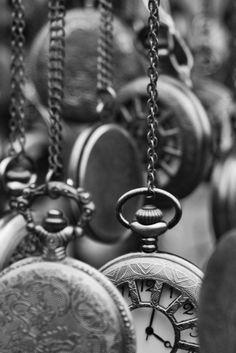 #old #clocks #blackandwhite