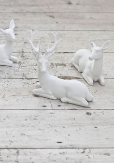 Set of white deers from www.bodieandfou.com ♥