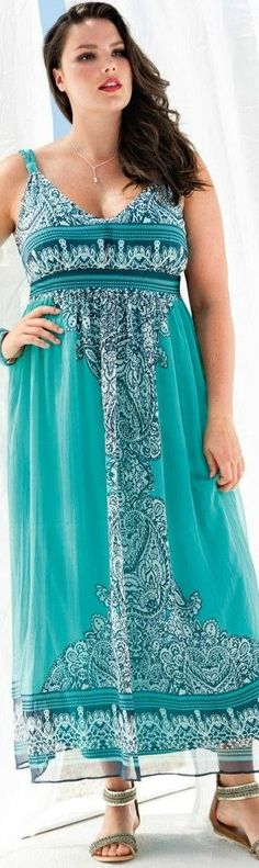 8f8f3cef62 Fair-skinned ravenette in sleeveless teal paisley maxi dress Roupas Plus  Size