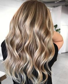Balayage Blonde Ends - 20 Fabulous Brown Hair with Blonde Highlights Looks to Love - The Trending Hairstyle Brown Hair Shades, Brown Hair With Blonde Highlights, Blonde Hair Looks, Balayage Hair Blonde, Brunette Hair, Hair Highlights, Brown Hair Colors, Blondish Brown Hair, Blonde Honey