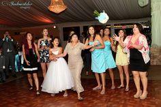 San Diego wedding photographer http://www.shadowcatchrimagery.com Boquet toss