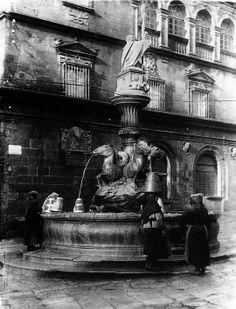 Fonte dos cabalos. Praza de Praterías | Fountain of the horses. Praterías.