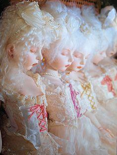 Doll / Ariel and Cliel sculpt. Doll artist / Koitsukihime. Photograph / Sakichi Kataoka. Ningyohime (1998)