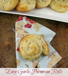 Easy Garlic Parmesan Rolls - Miss in the Kitchen