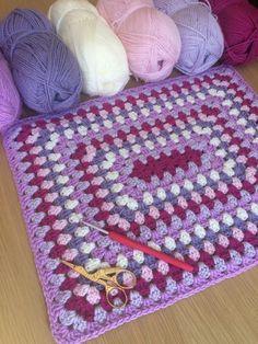 Rectangle Granny | The Crochet Swirl Crochet Throw Pattern, Granny Square Crochet Pattern, Afghan Crochet Patterns, Crochet Squares, Baby Blanket Crochet, Crochet Stitches, Crochet Baby, Crochet Crafts, Easy Crochet