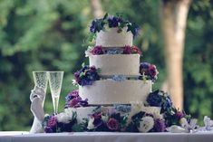 Wedding Cake Table Decorations, Wedding Vase Centerpieces, Diy Wedding Cake, Wedding Favors Cheap, Wedding Ideas, Wedding Decoration, Wedding Venues, Purple Wedding, Dream Wedding