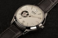 The perfect gift that exceeds boundaries - affordable, timeless, conventional. ⌚: RA-AG0025S10A Orient Watch, Mens Fashion Suits, Stainless Steel Case, Classic, Gift, Leather, Derby, Classic Books, Gifts