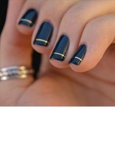 Negras con lineas doradas.
