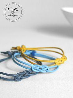 Lederarmband mit Seemannsknoten in vielen Farben, zartes Armband als Geschenkidee / gift idea for christmas: leather bracelet with knot made by GKdesign via DaWanda.com
