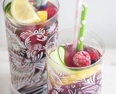This is the best summer drink, it's so cooling and refreshing, and so delicious – it's been my saviour over the last few weeks as it's been so hot in London! The cucumber, lemon slices, berries and fresh mint all infuse intoyour waterto create an incredible mixof flavours, which I think you'll love – it …
