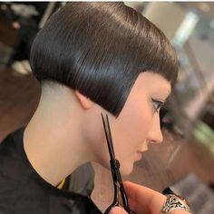 Image may contain: one or more people and closeup Pageboy Haircut, Bob Haircut With Bangs, Long Hair With Bangs, Short Hair Cuts, Side Cut Hairstyles, Stacked Bob Hairstyles, Short Bob Hairstyles, Shaved Bob, Shaved Nape