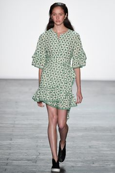 Vivienne Tam Spring 2016 Ready-to-Wear Fashion Show
