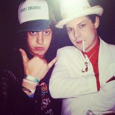Who took this picture and how the hell did they keep the camera steady? (Julian Casablancas & Jack White)