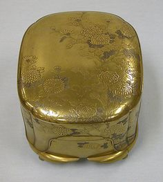 Incense Box with Tray, Cover and Four Small Boxes Period: Edo period (1615–1868) Date: 19th century Culture: Japan