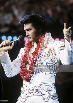 40 Years Since Elvis Presley Satellite Concert Broadcast From ...