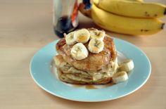 Placuszki z bananami Banana Pancakes, Granola, Breakfast, Food, Morning Coffee, Plantain Pancakes, Essen, Meals, Yemek