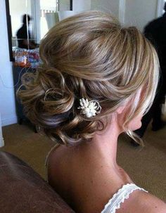 wedding hairstyles for mid length hair best outfits Thin Hair Updo, Wedding Hairstyles For Medium Hair, Wavy Wedding Hair, Vintage Wedding Hair, Prom Hairstyles, Simple Hairstyles, Wedding Updo, Braided Hairstyles, Wedding Bands