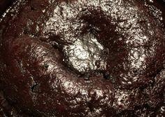 Νηστίσιμη σοκολατόπιτα με σιρόπι σοκολάτας συνταγή από 🎀🌸Dimitra🌸🎀 - Cookpad Cookies, Chocolate, Crystals, Ethnic Recipes, Desserts, Food, Bebe, Crack Crackers, Tailgate Desserts