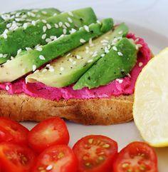 Ψωμί με χούμους παντζάρι και αβοκάντο | Mygreekgreenplate Avocado Toast, Foods, Breakfast, Food Food, Morning Coffee, Food Items, Morning Breakfast
