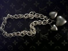 Chunky chain necklace with three hearts!