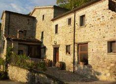 Il Castello, Albergo Diffuso di campagna a Montecerignone (Pesaro)