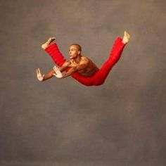 Alvin Ailey Dancer Amazing, how can he even do that?