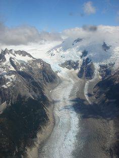 Campo de hielo Sur situado en los Andes patagónicos, en la frontera entre Argentina y Chile. Es denominado hielo continental patagónico en Argentina y campo de hielo sur en Chile, para diferenciarlo del campo de hielo norte. Chile