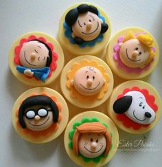 Fondant Toppers, Fondant Cupcakes, Fun Cupcakes, Cupcake Cookies, Snoopy Birthday, Snoopy Party, Chocolates, Snoopy Cake, Oreo Cookie Pops