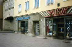 Geschäfte,Magdeburg DDR.May 1990  Opticians and Music shops | by sludgegulper
