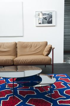 X-Ray sofa by Alain Gilles, Zorro table by Note Design Studio, France rug by Nathlie du Pasquier for La Chance - photo by Joséphine Aury - www.lachance.fr Traditional Sofa, Create A Board, Ottoman Table, Rug, France, Design Studio, Daybed, Living Room Designs, Armchair