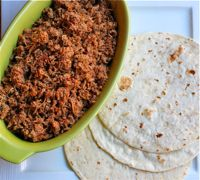 Salvadorian-Style Chicharrón Shredded Pork Crock Pot Recipe - - In El Salvador, chicharron is seasoned shredded pork, used to fill pupusas or thick corn tortillas. Our recipe for it requires a slow cooker and a skillet. Mexican Dishes, Mexican Food Recipes, Dog Food Recipes, Cooking Recipes, Dinner Recipes, Dinner Ideas, Papusa Recipe, Kimchi, Pork Recipes