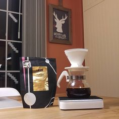 #Julekaffe on Christmas eve. Wish everybody have a merry and bright Christmas.  #kaffebox #lippekaffe #specialtycoffee #pourover #konomeimon by roast.cup.repeat