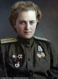 Yevgeniya Zhigulenko - Hero of the Soviet Union, flew 968 night missions as pilot in a Ww2 Women, Military Women, Military Fashion, Female Pilot, Female Soldier, Soviet Army, Soviet Union, American Apparel Tennis Skirt, Russian Culture