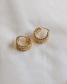 Tiny Star Earrings/ Diamond Star Earrings in Solid Gold/ Tiny Diamond Earrings/ Tiny Stud Earrings/ Tiny Diamond Studs/ Valentines Day - Fine Jewelry Ideas Tiny Stud Earrings, Emerald Earrings, Star Earrings, Silver Hoop Earrings, Bridal Earrings, Crystal Earrings, Statement Earrings, Silver Earrings, Flower Earrings