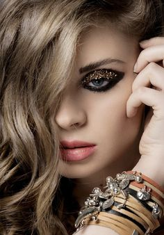 Taking risks, be careful! Offset some wild eyes with a subtle lip.