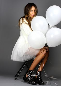 photo with balloons (sincerely jules)